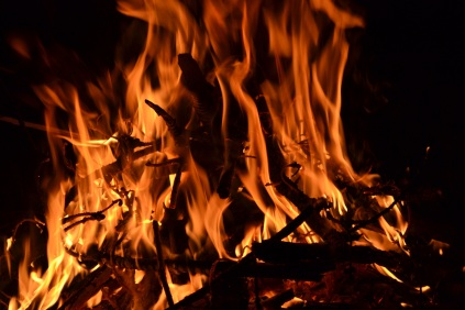 _absolutely_free_photos_original_photos_campfire-burning-4608x3072_98618